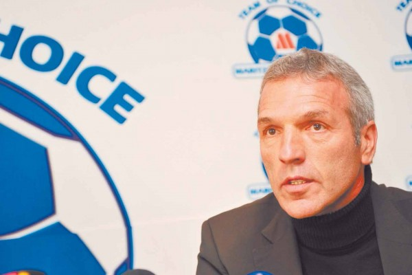 FILE PICTURE: Ernst Middendorp. Picture: Sabelo Mngoma/BackpagePix.