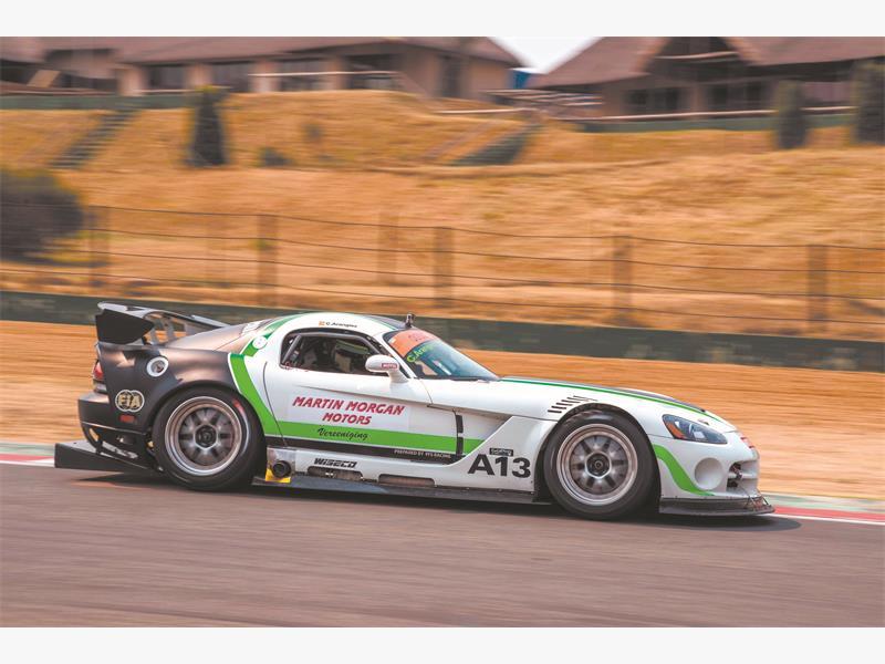 BIG STUFF:  Charl Arrangies blasts his V0-engined Martin Morgan Dodge Viper to Saturday's dotsure.co.za Extreme Supercar victory at Kyalami. Picture: Meghan McCabe.