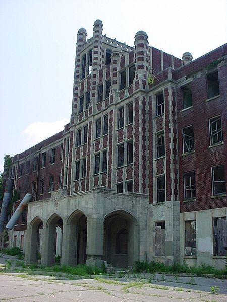 The Waverley Hills Sanitorium. Image courtesy Wikimedia Commons (Kris Arnold)