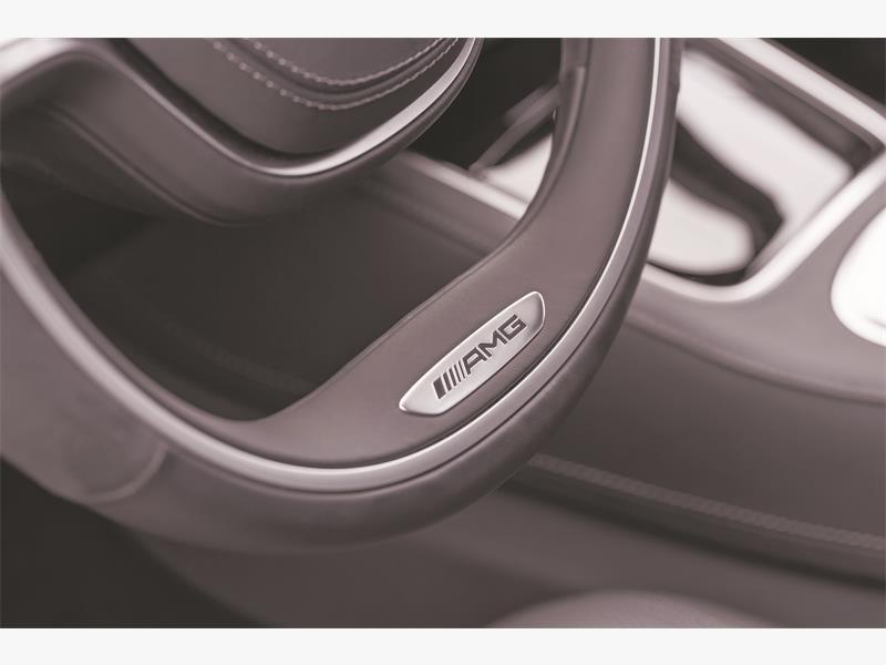 Mercedes-Benz S 63 AMG (V221) 2013, Lack: diamantsilber metallic, Ausstattung: Leder PASSION Exklusiv schwarz, Zierteile: Carbon, AMG Performance Package