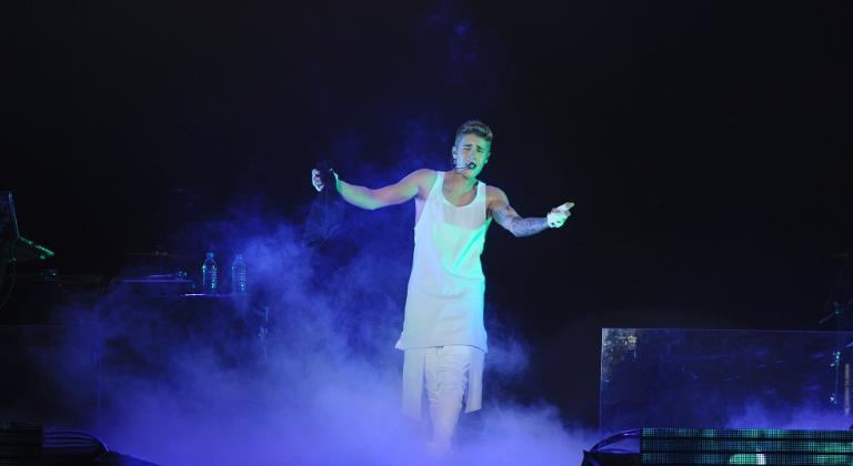 Justin Bieber shows off new tattoos