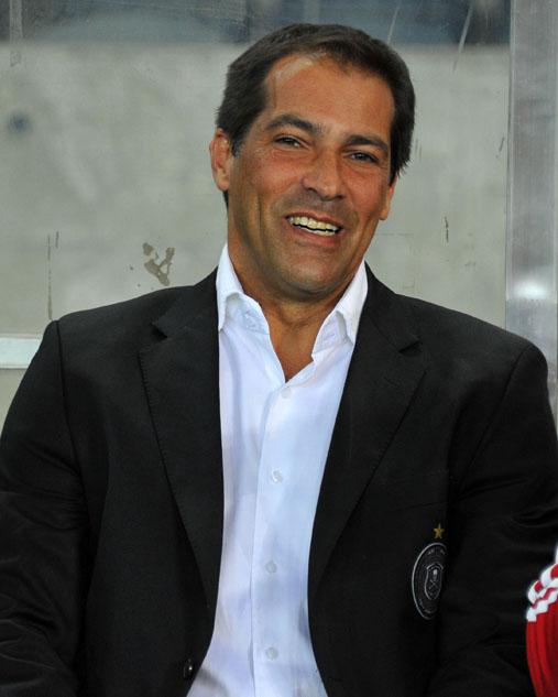 FILE PICTURE: Roger De Sa, head coach of Ajax Cape Town. Picture: Samuel Shivambu