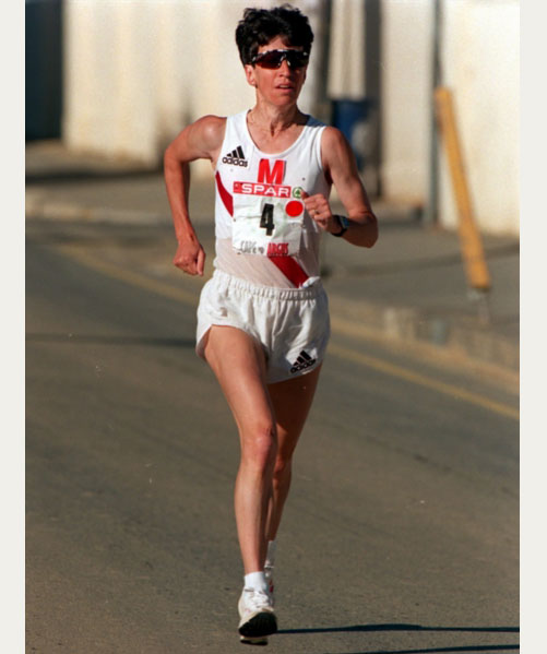 FILE PICTURE: Sonja Laxton in action during the Spar ladies 10km Challenge,  5 December 1999. Photo: Tertius Pickard/Gallo Images.