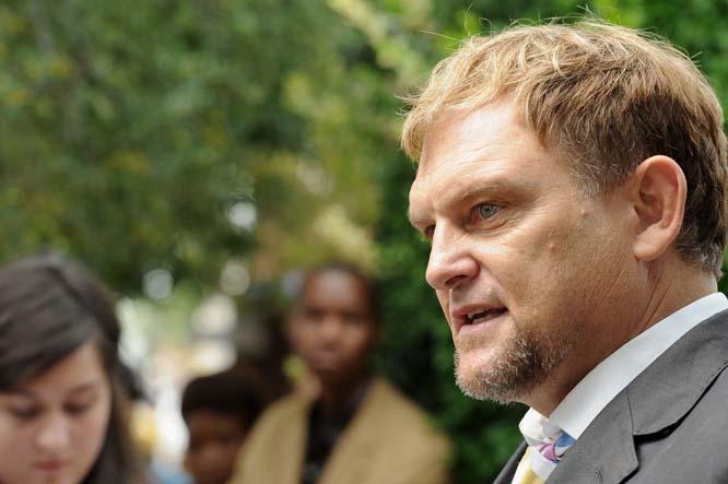 Racism claims 'hogwash', says Hofmeyr (video)