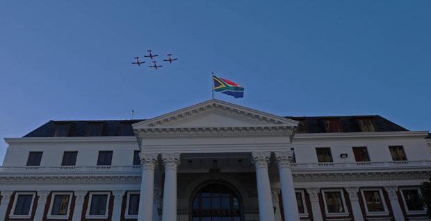 Zuma arrives at Parliament