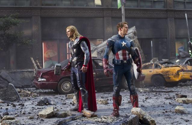 Still of Chris Evans and Chris Hemsworth in Avengers Assemble (2012)