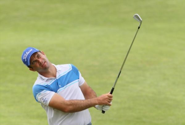 Ricardo roars into Africa Open lead