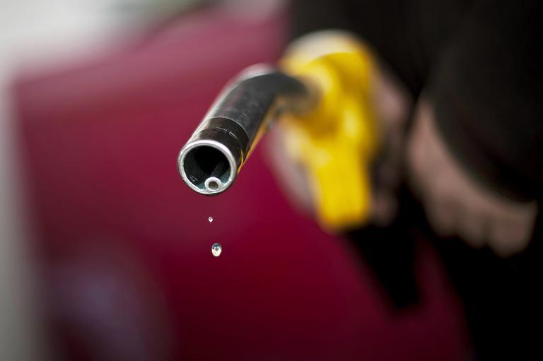 Suspect pours petrol over girlfriend.