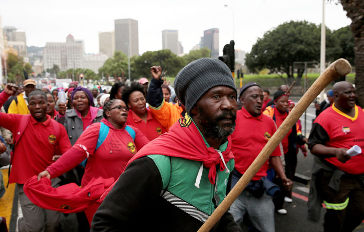 FILE PICTURE: Municipal workers march through the streets of Cape Town for better wages and working conditions on Tuesday, 20 May 2014. Picture: Nardus Engelbrecht/SAPA