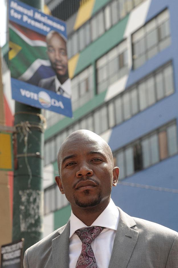 Hundreds await Mmusi Maimane speech in Soshanguve