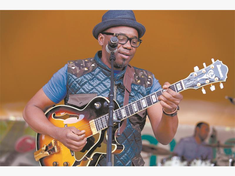 Jamming with Jimmy Dludlu