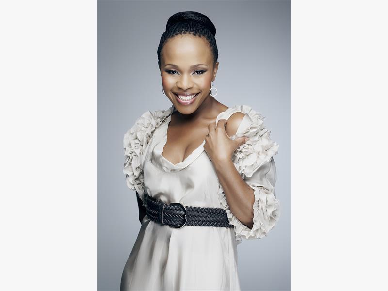 Sindi Dlathu: Living Parallel Lives