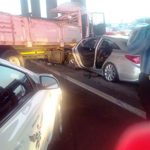 Two people were killed in an accident on the N2 at the Nandi Drive bridge in Durban on Friday night. Picture: Rescue Care