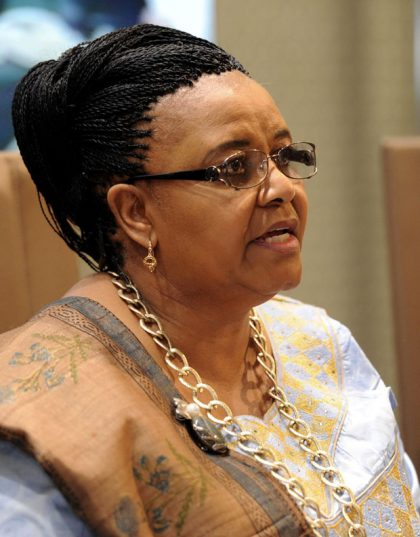 molewa pays tribute to outgoing isimangaliso wetland park ceo