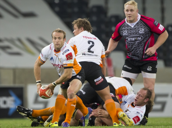 FILE PICTURE: Sarel Pretorius of the Free State Cheetahs and Vincent Koch of the Steval Pumas during the Absa Currie Cup match between Steval Pumas and Toyota Free State Cheetahs at Mbombela Stadium on August 09, 2014 in Nelspruit, South Africa. (Photo by Dirk Kotze/Gallo Images)