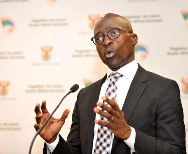 Gigaba 'applying his mind' on Zimbabweans