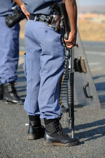 FILE PICTURE: A police officer. Picture: Refilwe Modise.