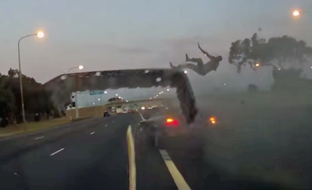 Man Flies Out Of Vehicle In N2 Road Crash Video The Citizen