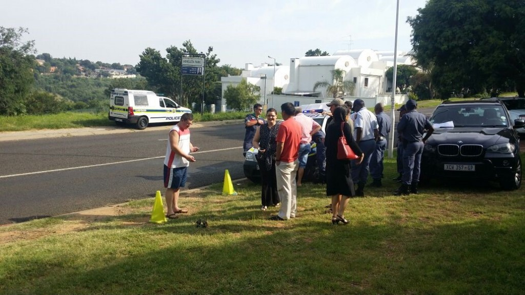 The scene in Moreleta Park shortly after the attempted hijacking. Pic: Rekord East.