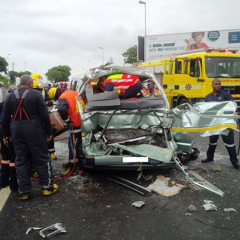 23 children injured in taxi crash