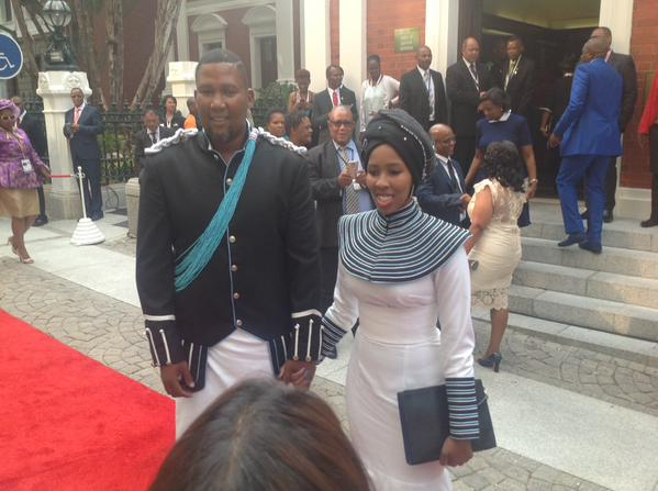 Mandla Mandela and his wife. Picture: @GovernmentZA, Twitter