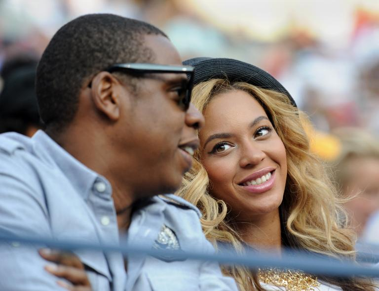 Returning to music, Jay-Z sorry for cheating and loves lesbian mom