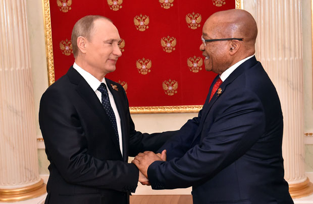 FILE PICTURE: Russian Federation President Vladimir Putin welcomes President Jacob Zuma on arrival to attend Russia's Victory Day celebrations in 2015. (Photo: GCIS)