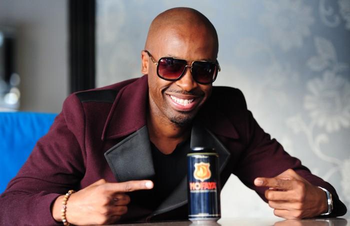 WATCH: DJ Sbu on the highway selling energy drinks to motorists