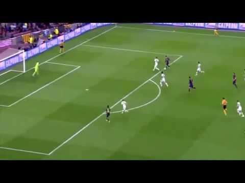 Messi humiliates Boateng