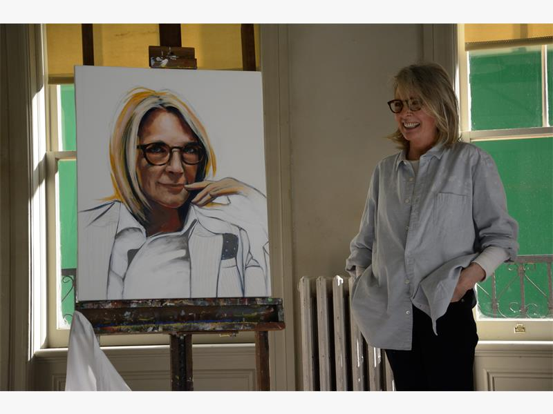 Diane Keaton Stars As Ruth Carver In Richard Loncraines 5 Flights Up
