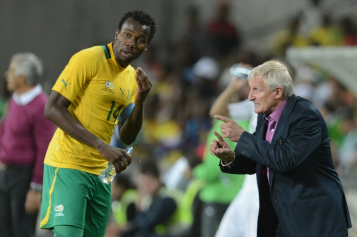 Bongani Khumalo and Gordon Igesund. Photo by Lefty Shivambu / Gallo Images