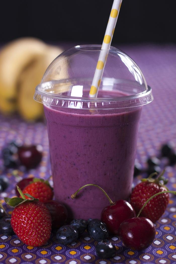 Mixed berry, yogurt &banana smoothie
