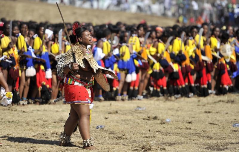 Mass hysteria at Zulu reed dance