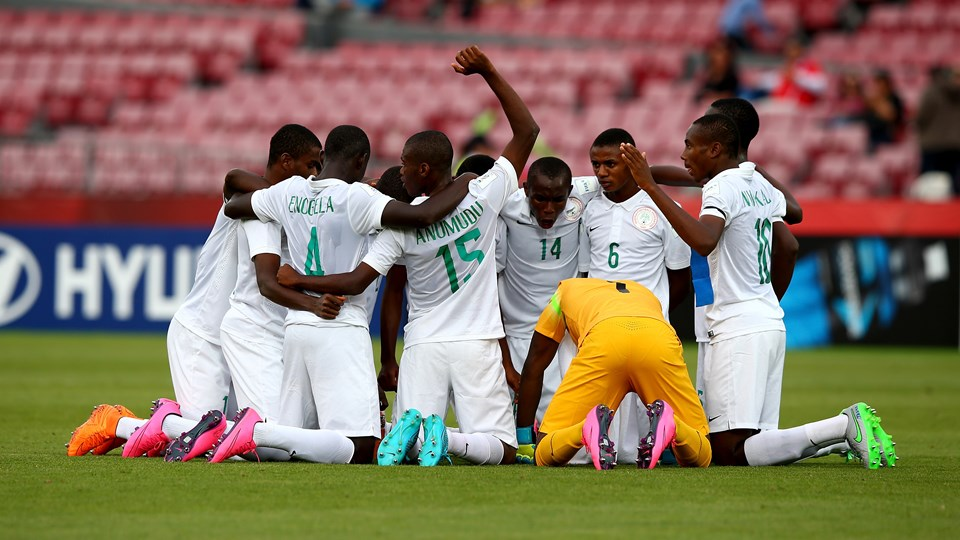 The team of Nigeria celebrate after during the FIFA U-17 Men's World Cup 2015 group A match between Nigeria and USA at Estadio Nacional de Chile on October 17, 2015 in Santiago, Chile. (Photo by Martin Rose - FIFA/FIFA via Getty Images)