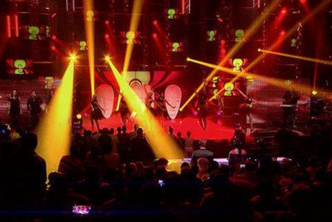 Showstopper theme on Idols SA tonight