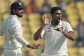 India tighten screws on South Africa in third Test