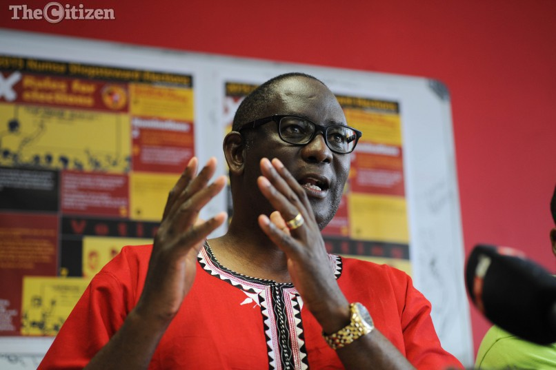 Former Cosatu secretary general, Zwelinzima Vavi talks to members of the media alongside several other union leaders, 10 December 2015, in Johannesburg CBD, on plans to form an independent, non-political, labour federation. Picture: Alaister Russell