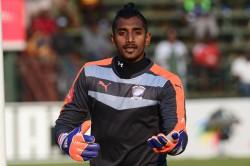 Arrows sign former Cosmos goalkeeper