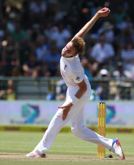 CAPE TOWN, SOUTH AFRICA - JANUARY 05: Stuart Broad of England during day 4 of the 2nd Test match between South Africa and England at PPC Newlands on January 05, 2016 in Cape Town, South Africa. (Photo by Carl Fourie/Gallo Images)