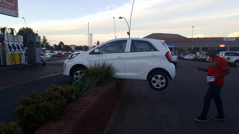 Getaway Car Leaves Suspects Hanging The Citizen