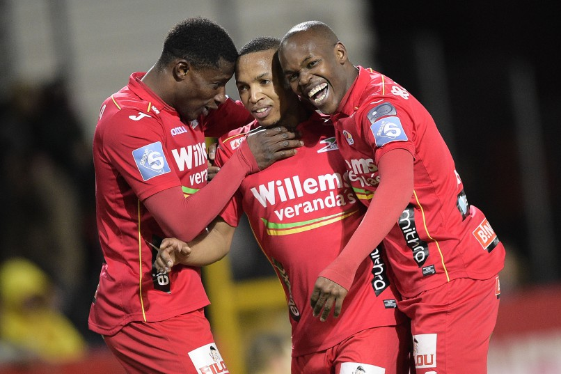 Oostende's Andile Jali (C) celebrates after scoring during the Jupiler Pro League match between Lokeren and KV Oostende, in Lokeren, Sunday 07 February 2016, on the day 25th of the Belgian soccer championship. BELGA PHOTO YORICK JANSENS