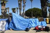Number of homeless people increases in Los Angeles