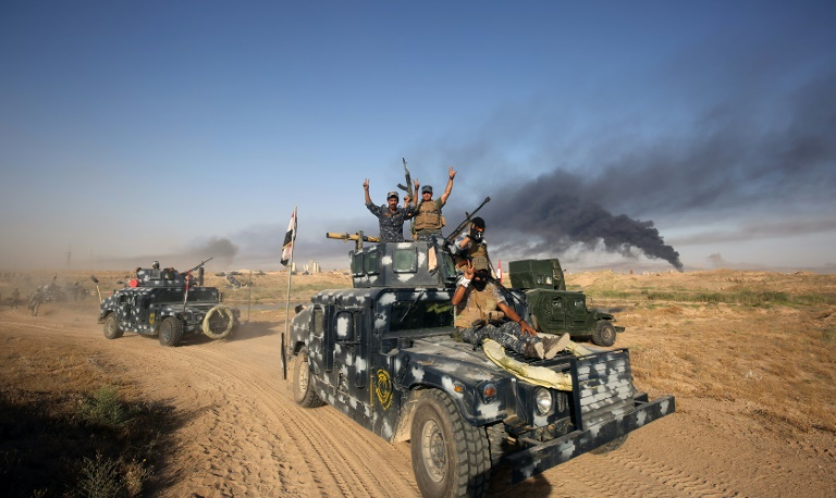 Iraq shells ISIS-held Fallujah for second day