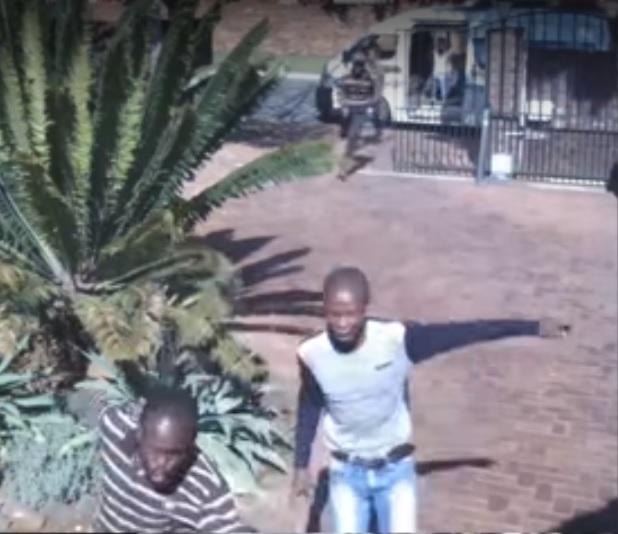 WATCH: 'Quantum gang' storms Joburg home