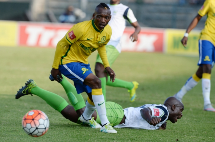Khama Billiat of Sundowns and Gift Sithole of Stars during the Absa Premiership match between Mamelodi Sundowns and Platinum Stars at Lucas Moripe Stadium on May 21, 2016 in Pretoria, South Africa. (Photo by Lefty Shivambu/Gallo Images)