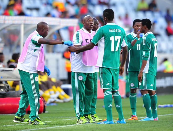 Stephen Keshi (head coach) of Nigeria chats to his players during the 2014 CAF African Nations Championships 3rd/4th playoff between Zimbabwe and Nigeria at Cape Town Stadium, Cape Town on 1 February 2014 ©Ryan Wilkisky/BackpagePix
