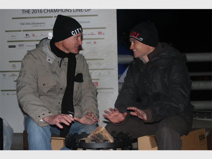 Tim Holden, group managing director of Caxton Printers and Publishers braces himself for a long night with Jaco Koekemoer, managing director of Caxton Local Media at the CEO SleepOut in Braamfontein. Photo: North Eastern Tribune