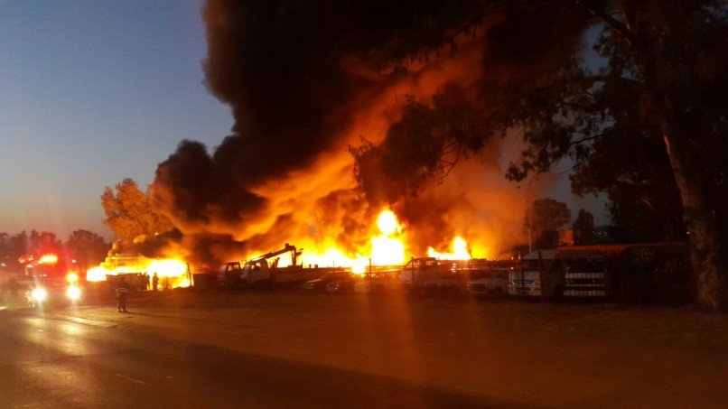 It took 33 firefighters to extinguish the fire in East Lynne, Pretoria. PHOTO: Rekord Moot.