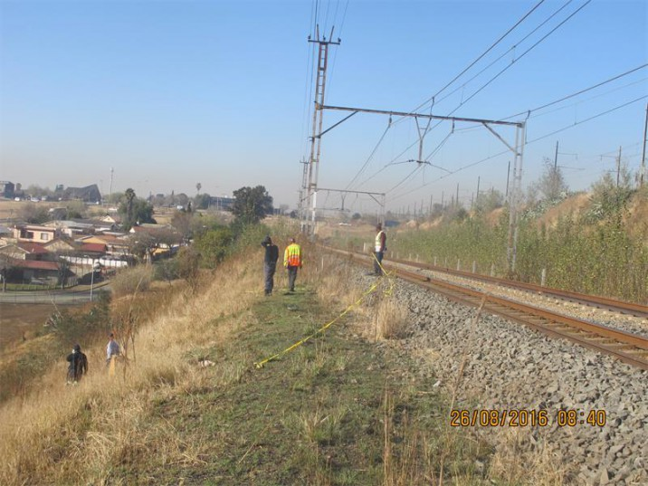A man was hit by a train early on Friday morning along the Tedstoneville railway line. Elsburg SAPS responded to the scene. Picture: Germiston City News.