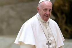 Pope urges 'responsible behaviour' to stop AIDS spread